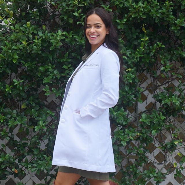 Medelita 'Rebecca Slim Fit' review is live on the blog! Lots of people have asked me about this one - how it fits, and also which is my favorite #Medelita lab coat. I love my Ellody Petite, and I have to say I love this one just as much 🤷🏽‍♀️ Check out the review + why I wear a lab coat using the link in my bio - & don't forget u can use my code 'POLISHEDPA3' for 30% off any Medelita purchase! @medelita_gram