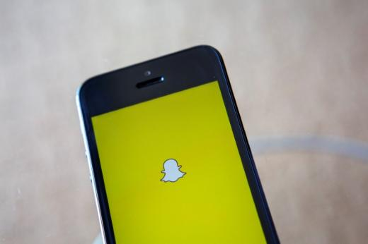 Man Saves Missing Teen After Noticing Her Picture On Snapchat - Carbonated.TV