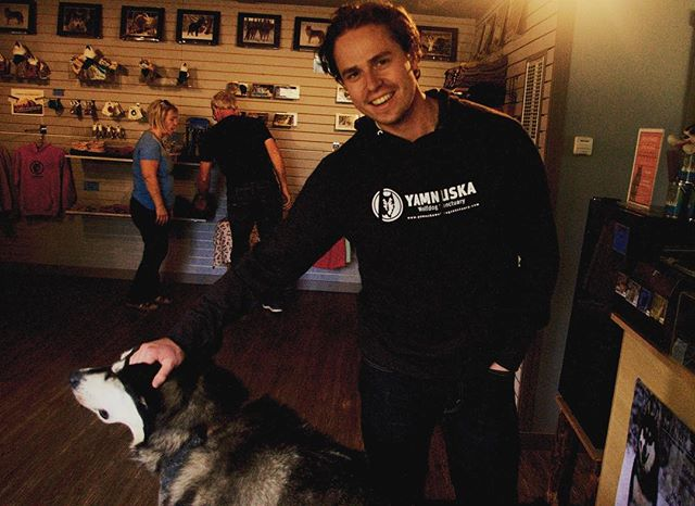 Spent some off time in #Cochrane this weekend learning about WolfDogs @yamnuskawdsanct - super cool education, and super cool to see - I had to buy the shirt 🐺// PS They have goats too 🐐 // @goatsofyamnuska // #alberta #calgary #explorealberta #yyc #dog #wolf #sanctuary #outside #mountain #musician #songwriter #pilot #aviation #sustainability #petsofig #showyourjazz