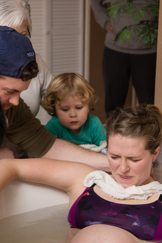 mom-pushing-during-labor-water-birth.jpg