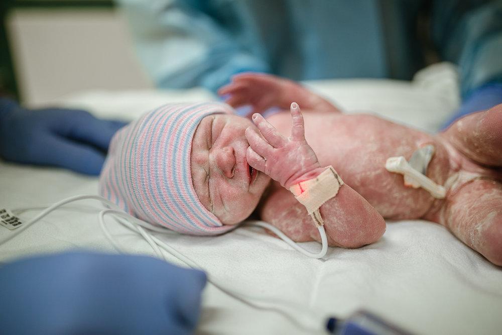 37-week-baby-girl-birth-photography-by-Micah-Lynn-Birth-Stories.jpg