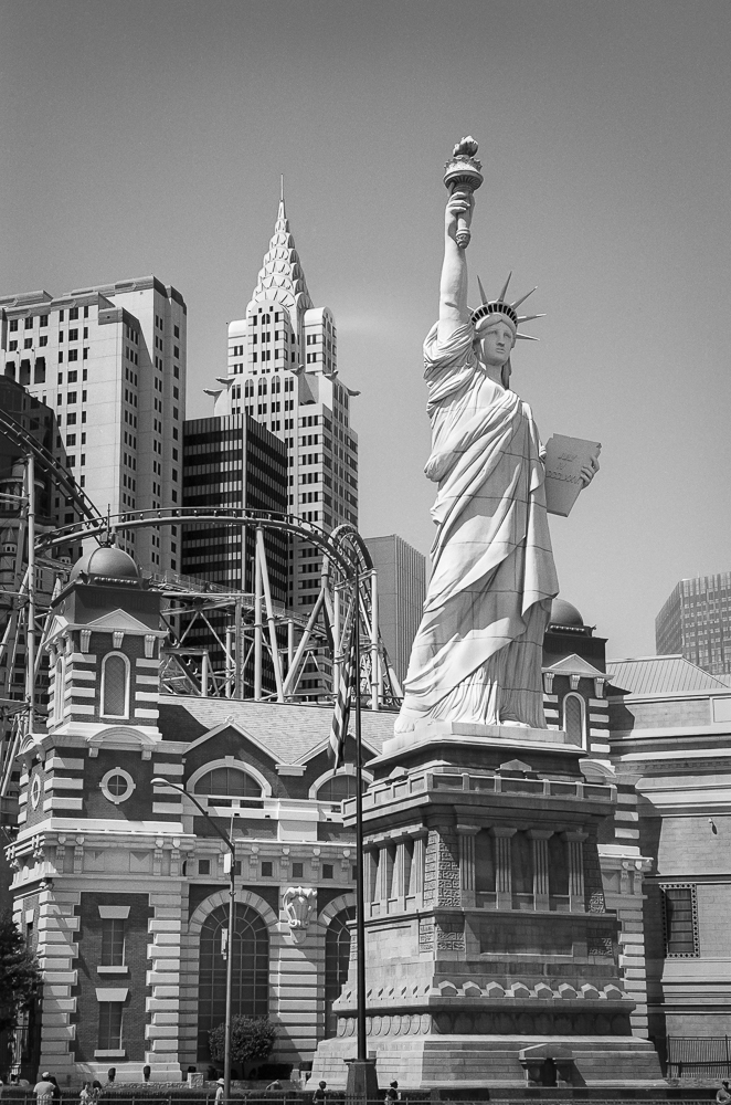 vegas new york new york-cleaned up.jpg
