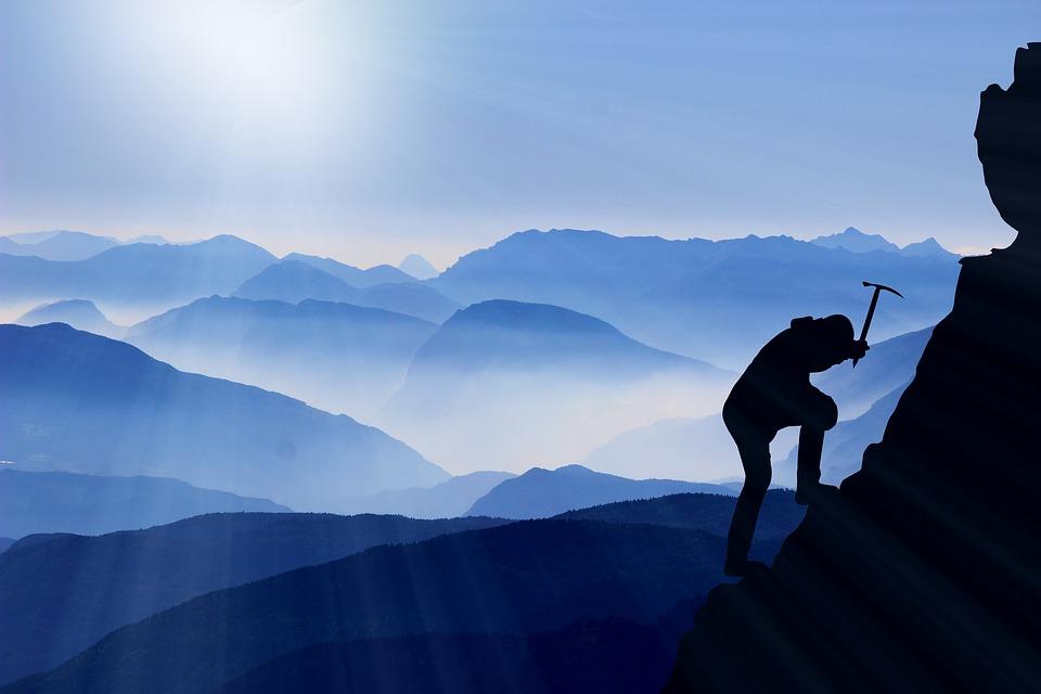 Mountaineering-Mountain-Climbing-To-The-Top-Success-2125148.jpg