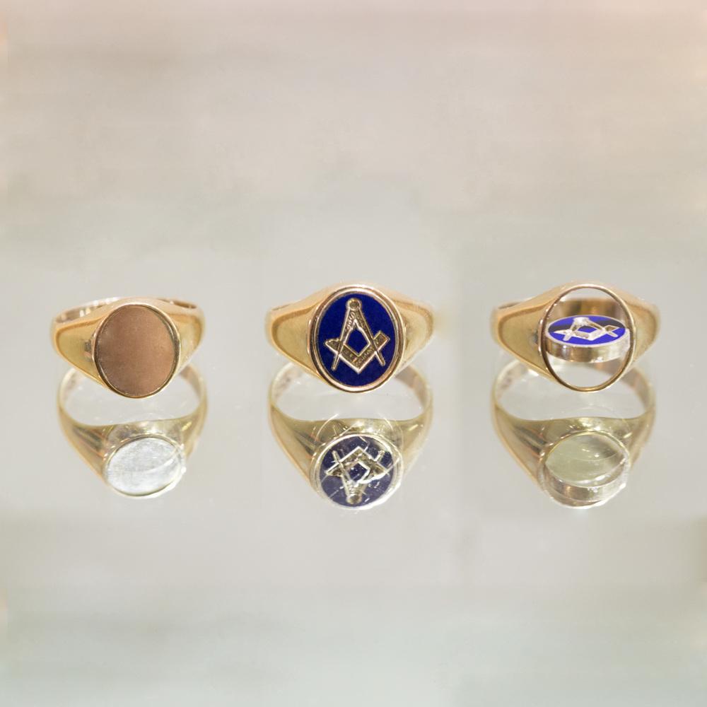 £595 - Masonic Swivel Ring