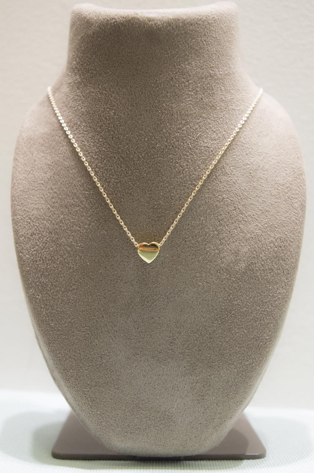 £110 - Pretty 9ct Heart Pendant