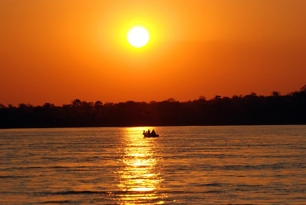 zambezi sunset river cruise victoria falls