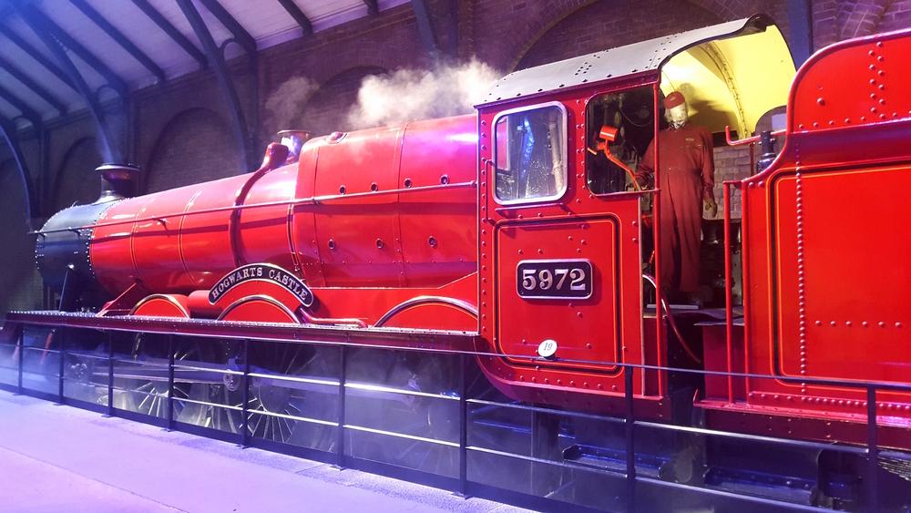 The Hogwarts Express   Wanderlust Movement