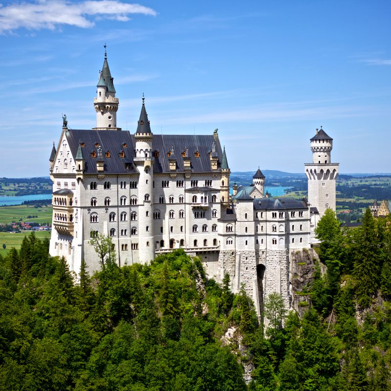 Castle Neuschwanstein in Germany | World of Wanderlust