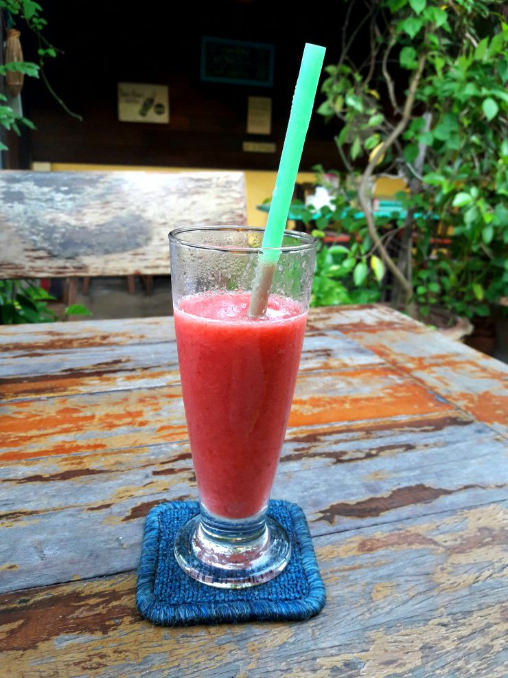 Fruit smoothie at Outside Inn | Wanderlust Movement