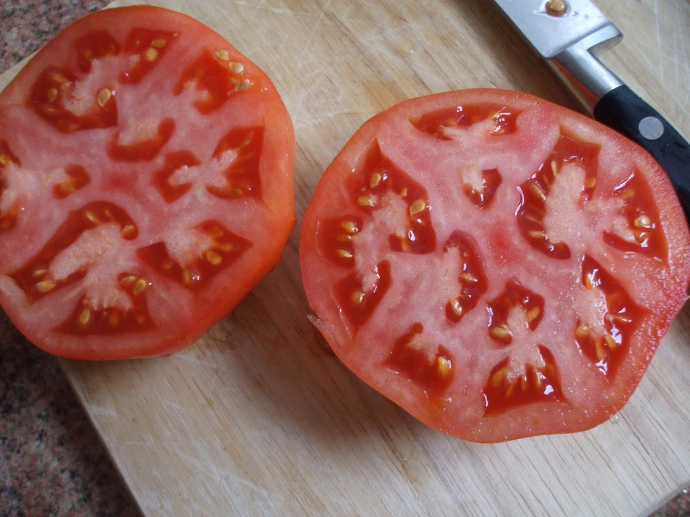 Want early tomatoes? Sow an early variety, like this one - Belarusian variety 'Peremoga'.