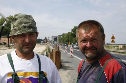 Motorway workers in eastern Europe                      Photo: Hartmut Jungius / WWF