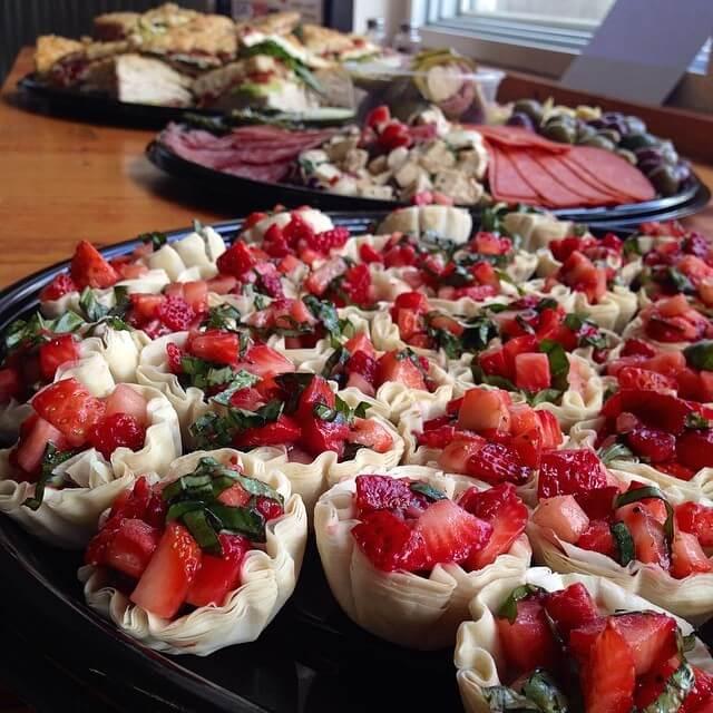 Stawberry Basil Salad in Mini Filo Cups.jpg