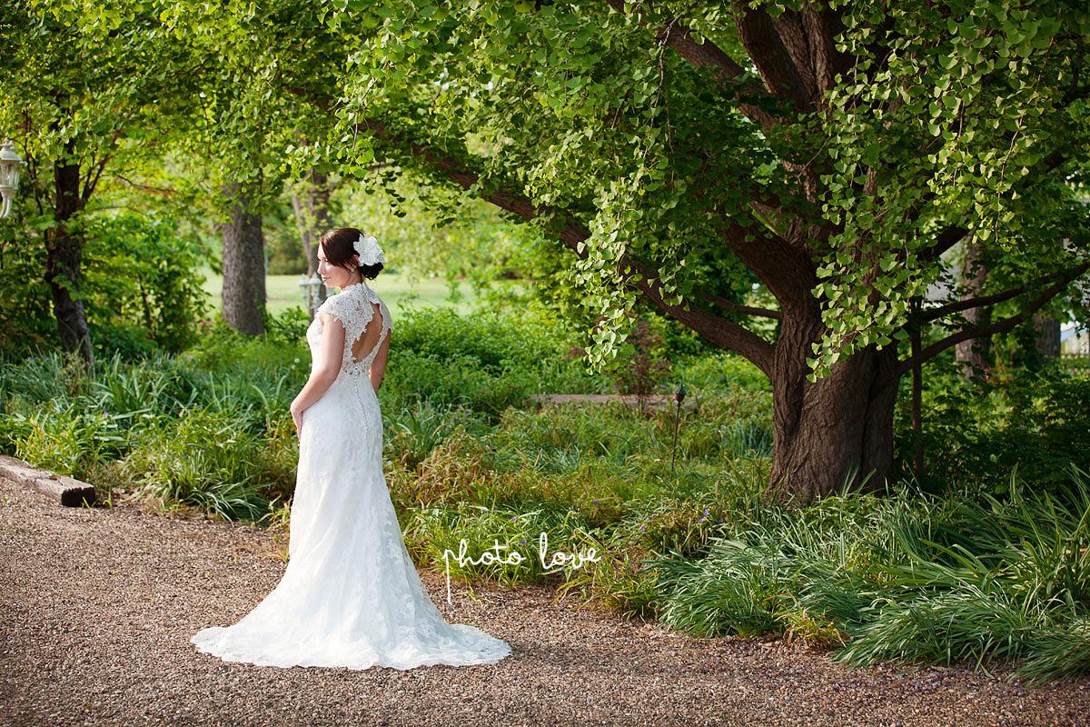 Arkansas Bridal Photographer Magnolia Gardens Vintage Bride