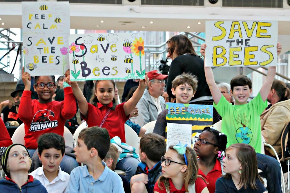 Fourth-grade bee supporters on Earth Day in 2015 at the Arts Garden in Indianapolis.