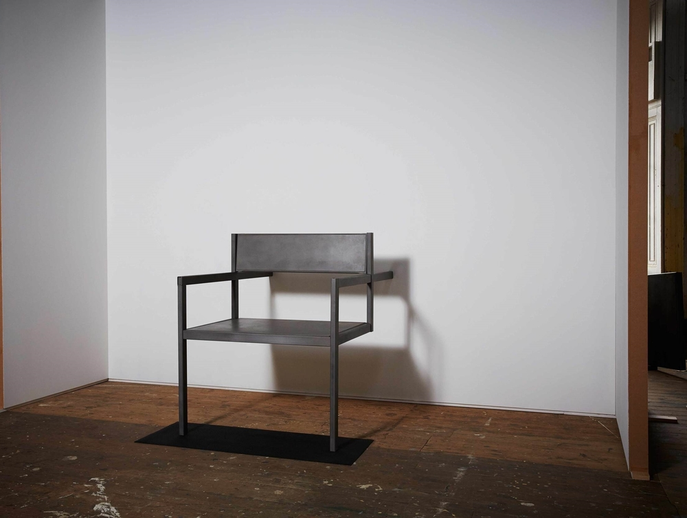 Big-chair(3_4-view)b.jpg