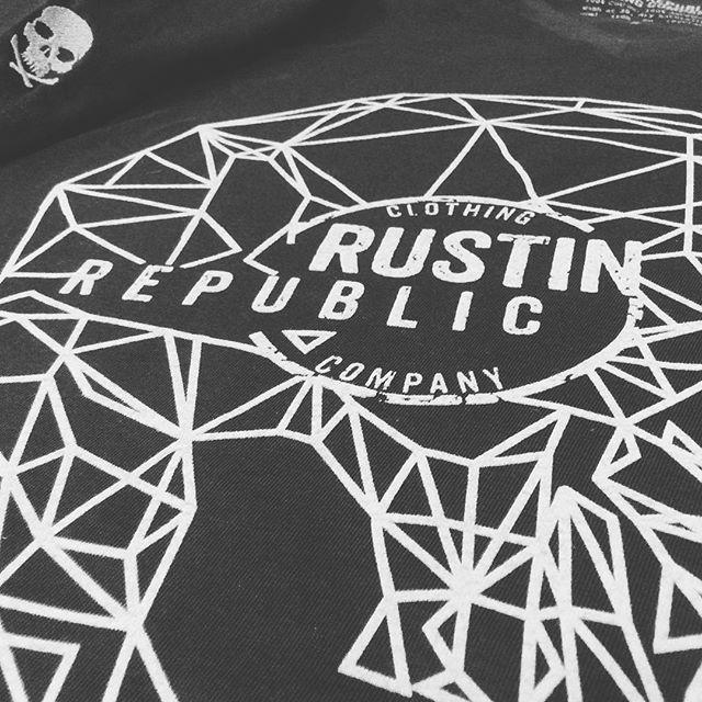 💀 New Geometric Skull T 💀sneaky peek, dropping at the shop tomorrow folks! #happy  #clothingbrand #clothing #rustinrepublic #vwlife #fashion #geometric #screenprinting #suede #beige #brown #vwlifestyle #vwcommunity #vwporn #vw #volkswagen #car #bus #fashion #auto #vwlove #vintage #lineart #logo #brand #tshirt #skull #embroidery #print #lifestylebrand #oldvwclub