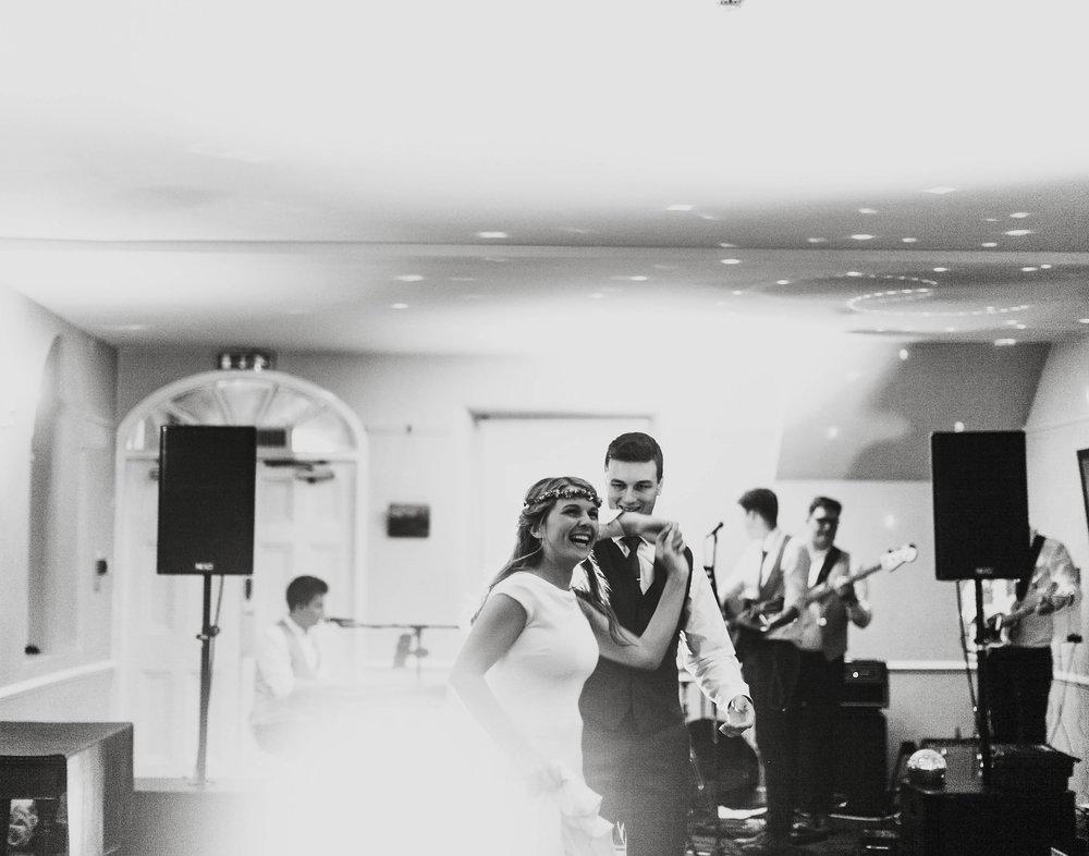 Jayne_lindsay_wedding_photographer_boho_wedding_northern_ireland_inspire_Weddings_4.jpeg
