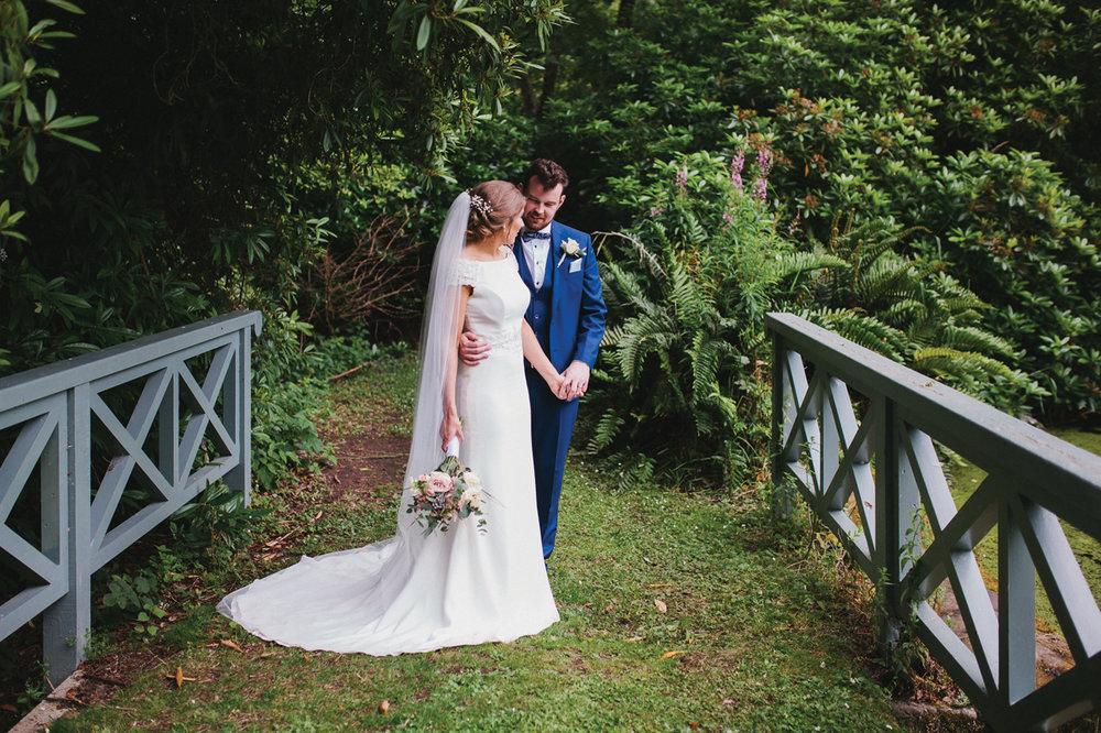 Sarah Bryden - Wedding Photographer