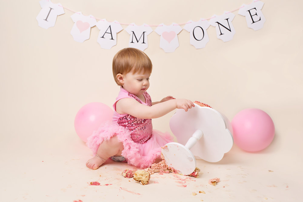 Cake smash and splash photo session - Wellington, Somereset.jpg