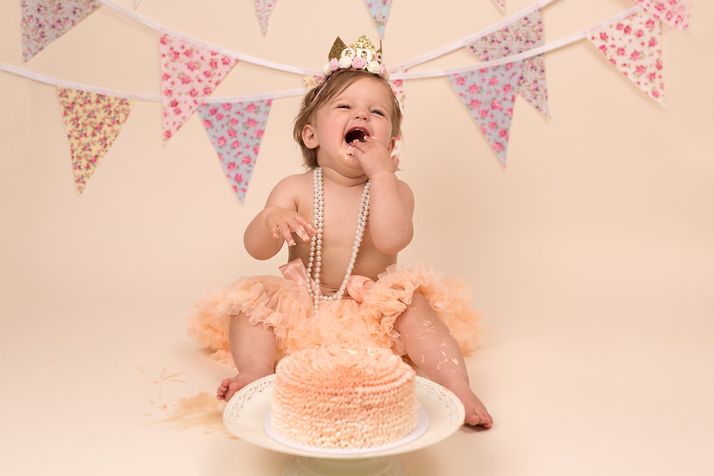 Cake Smash sessions - Wellington, Taunton, somerset.jpg
