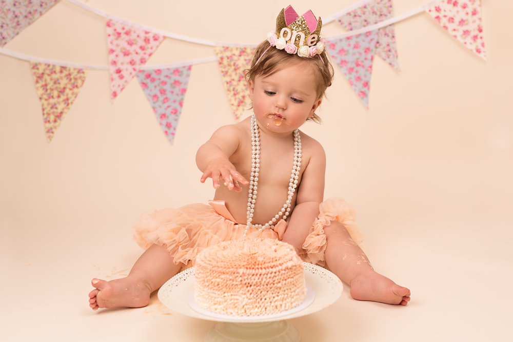 Karen Kimmins Photography - cake smash, Taunton, Somerset.jpg