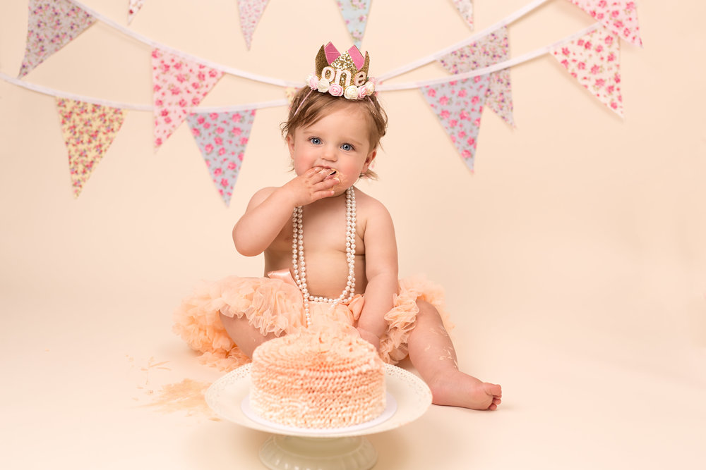 Karen Kimmins Photography - Cake smash, Wellington, Somerset.jpg