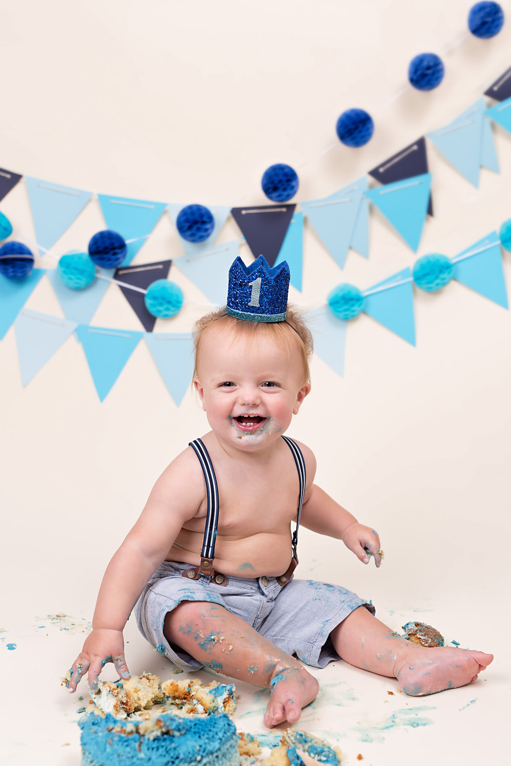 Cake smash and splash photography sessions. Taunton, Wellington, Somerset, Devon..jpg