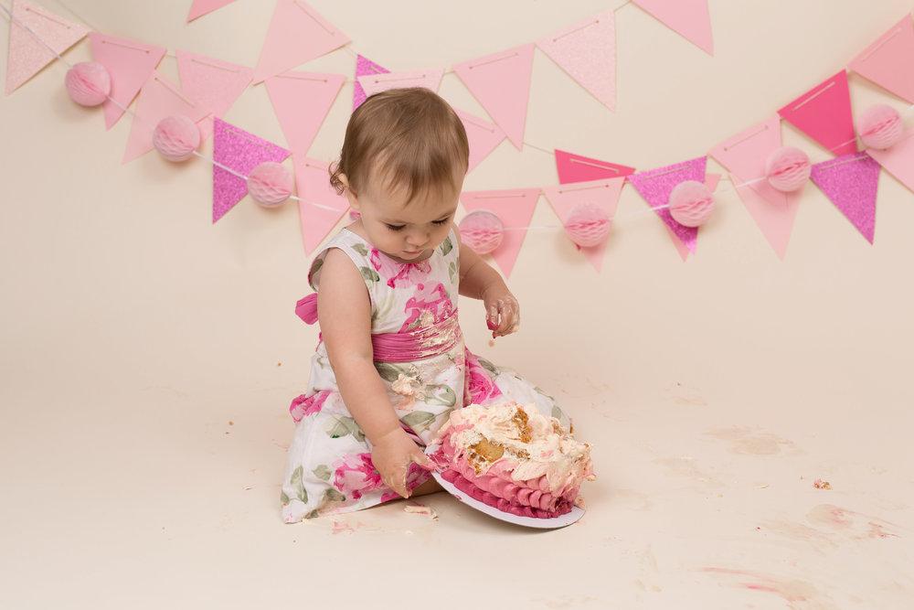 Cake smash Taunton, Somerset..jpg