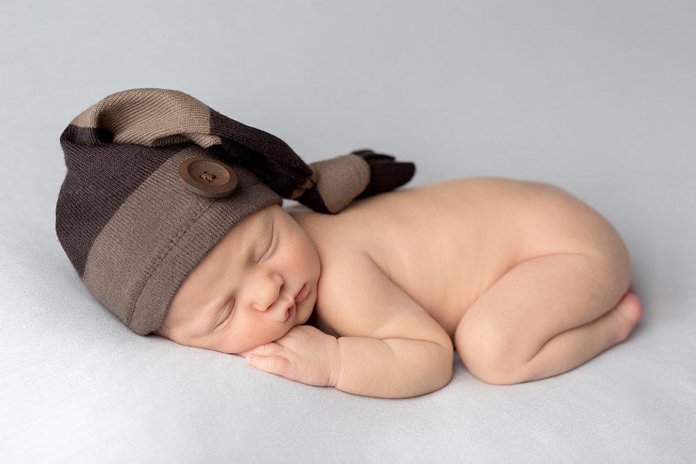 Newborn photography - Karen Kimmins..jpg