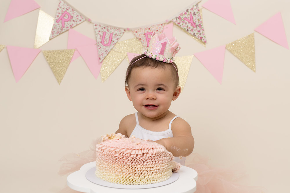 Cake smash sessions, Wellington, Taunton, Somerset. 21.jpg