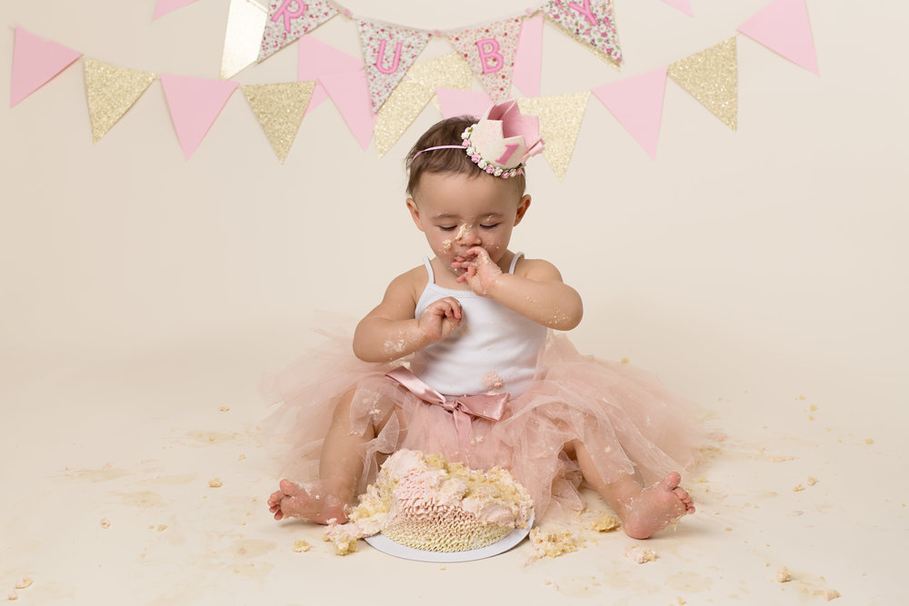 Cake smash sessions, Wellington, Taunton, Somerset. 22.jpg