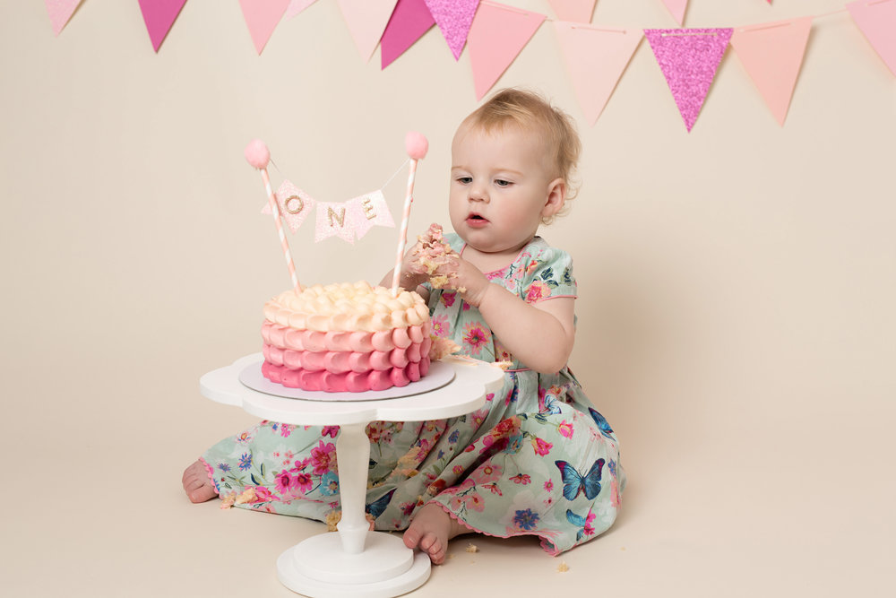Cake smash and splash photographer, Somerset, Devon.jpg