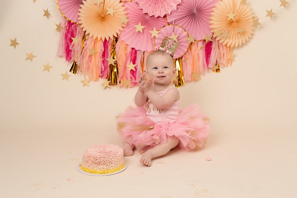 Cake smash and splash photography. Taunton, Tiverton, Bridgwater..jpg