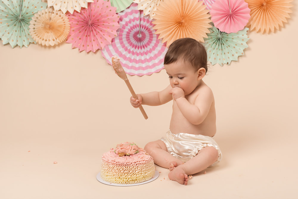 Karen Kimmins Newborn Photography - cake smash.jpg