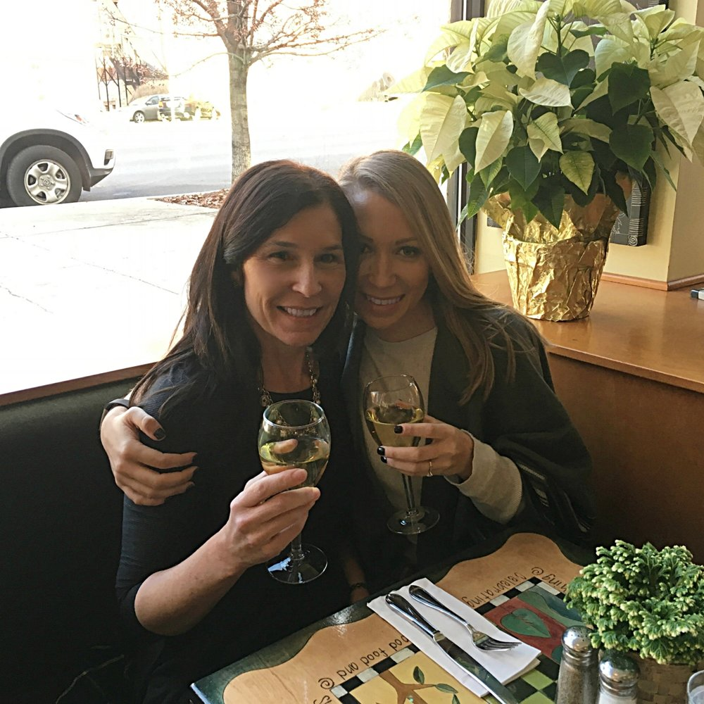 After our first appointment at Something Bleu, Brielle and I enjoyed a late lunch and a little wine at Scallions. We share the Scallions Flatbread and the Turkey and Brie. It was so good, we returned for brunch with Denise the next day.