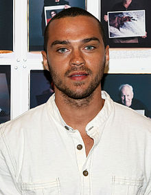 220px-Jesse_Williams_in_2008_white_shirt.jpg