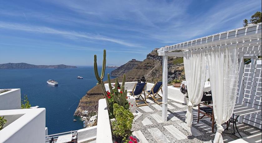 https://www.santorini-view.com/fira-hotels/porto-fira-suites/