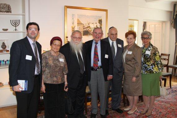 Naftali Kandler, Rabbanit Drukman, Rabbi Drukman, Marvin Bienenfeld, Jules Nordlicht, Barbara Nordlicht and Dassie Bienenfeld
