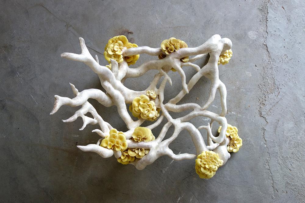 MyceliumChairEKLARENBEEK05-3.jpg