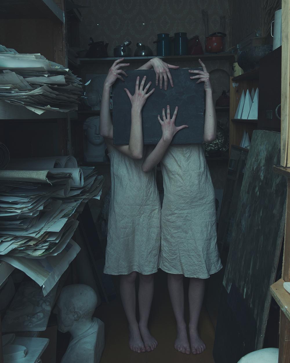 Twins_1_agb.jpg