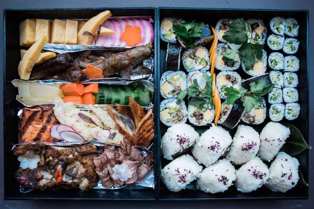 ChefYoBento. Zentenu0027s Chef Yo Matsuzaki shared a traditional bento box ... & Zentanu0027s Chef Shares a Traditional Bento Box u2014 Edible DC Aboutintivar.Com