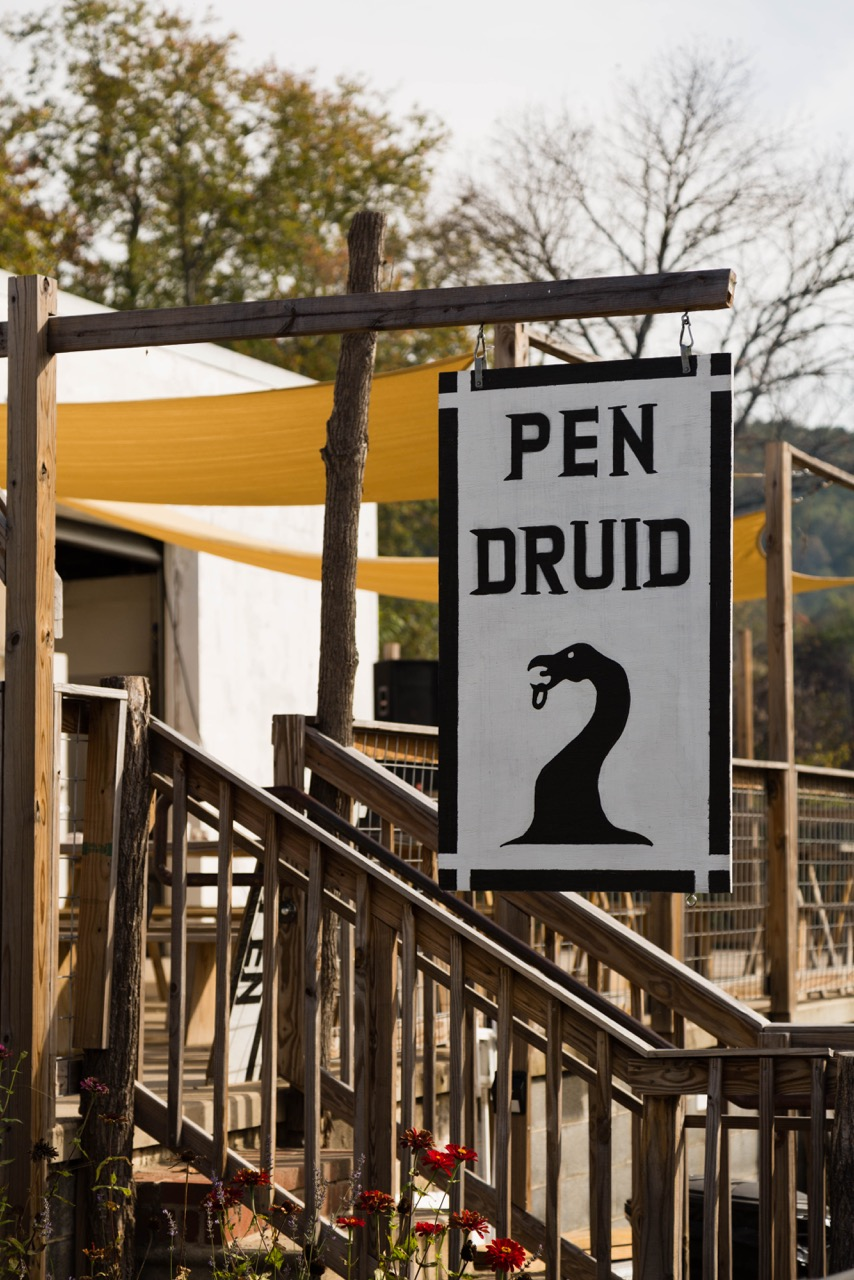 Pen druid, The center of the action in sperryville.