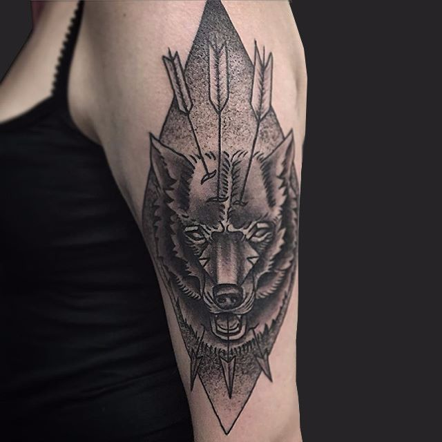 wolf-head-sigil-with-three-piercing-arrows-cut-cmp.jpg