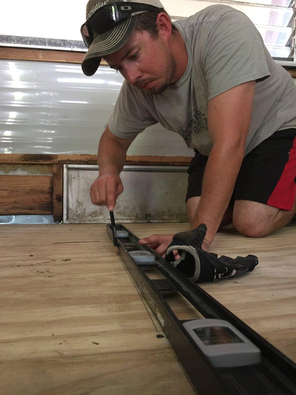 Plywood subfloor install