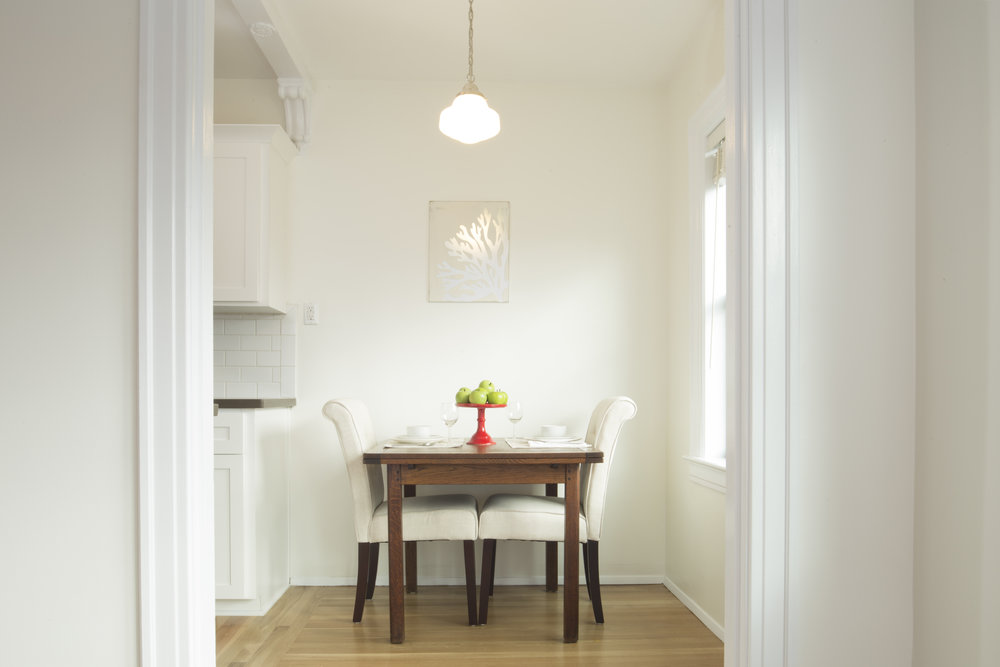 small space dining staging