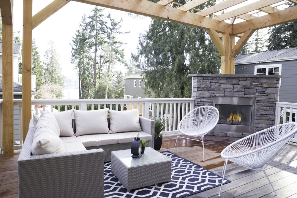 Mercer Island Exterior Staging.jpg