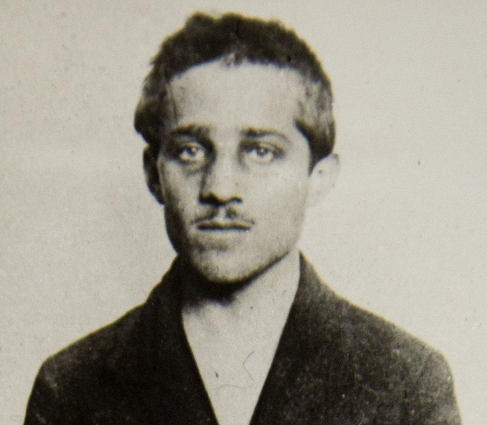 Gavrilo_Princip,_cell,_headshot.jpg