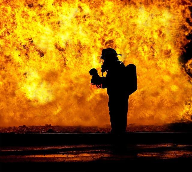fire-fighter-2098461_640.jpg