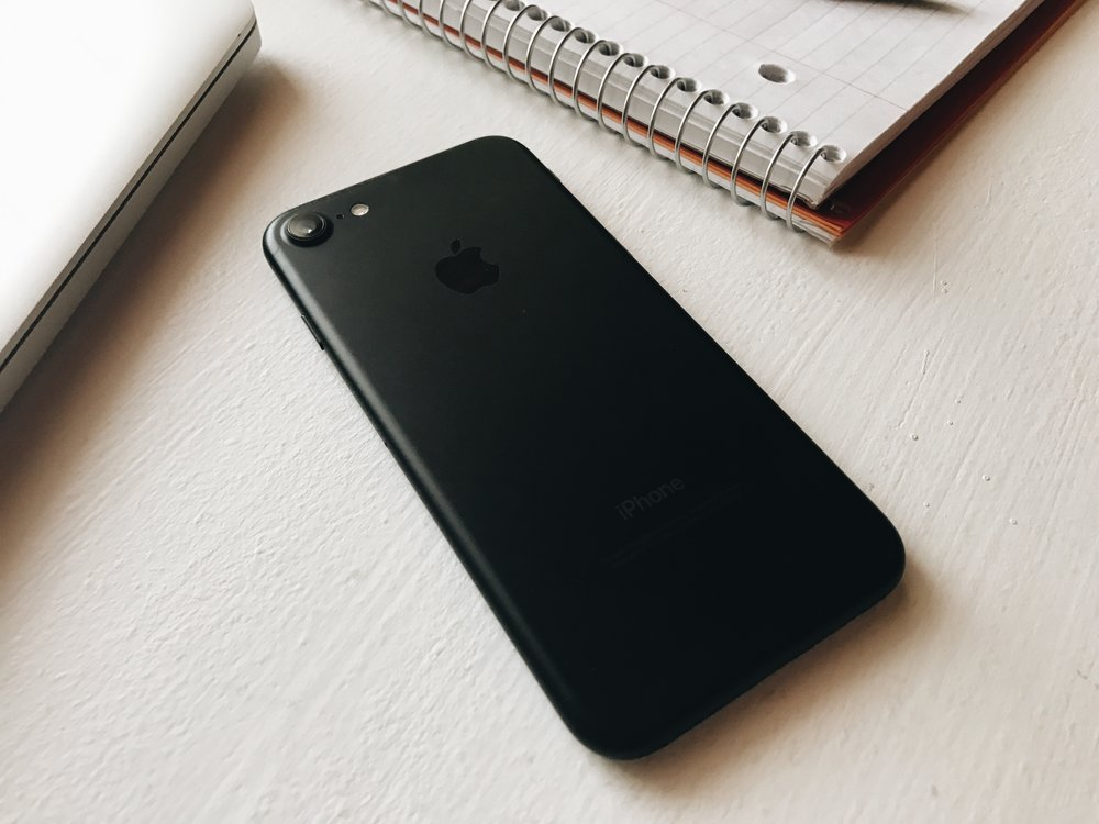 Here is Shane's Iphone 7 in the matte black color!
