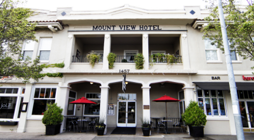Mount View Hotel and Spa entrance in Calistoga, CA